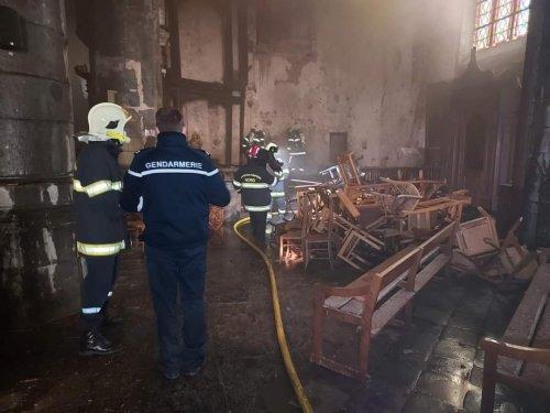 Premier bilan de l'incendie à la collégiale d'Avesnes-sur-Helpe
