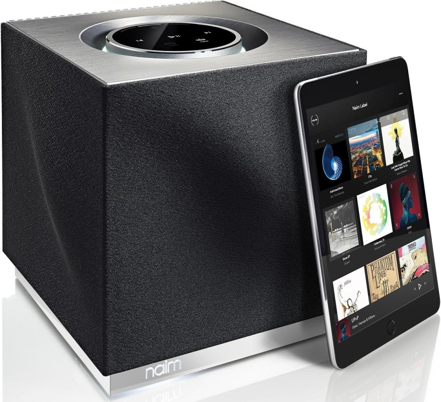 naim-audio-mu-so-qb-with-ipad