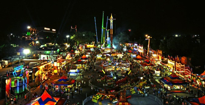 Midway-at-Night-at-the-Minnesota-State-Fair