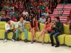 Invitados... Puros guapos : Ariadne Diaz, José Ron y Julio Camejo