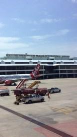 Llegando al aeropuerto internacional Don Mueang ( el aeropuerto viejo, el nuevo está de impacto)