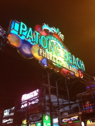 Bienvenidos a Patong Beach... No muy recomendable! Mucha prostitución