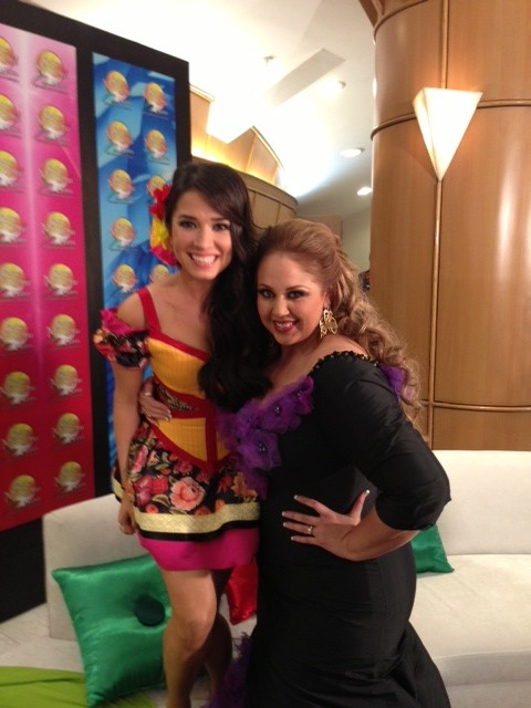 Con Alejandra Orozco.... Qué bien me cae