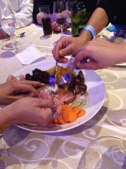 Comida típica : calabaza, betabel, dátil etc... Con un gran significado