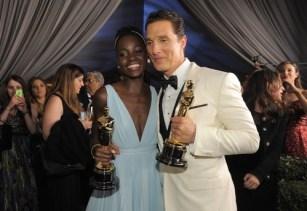 Lupita Nyongo'o y Matthew McConaughey en la fiesta Governors Ball tras los Oscar 2014