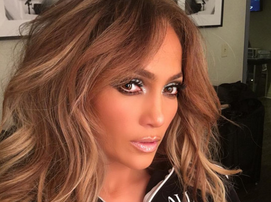 Jennifer Lopez estrena el videoclip del single Aint Your