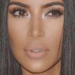 Kim Kardashian enseña de más