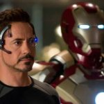 Robert Downey Jr. presume los tenis en homenaje a 'Iron Man'