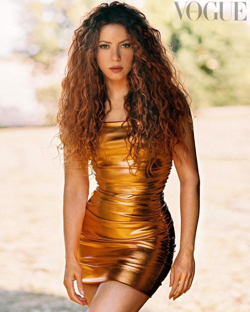Shakira presume cinturita