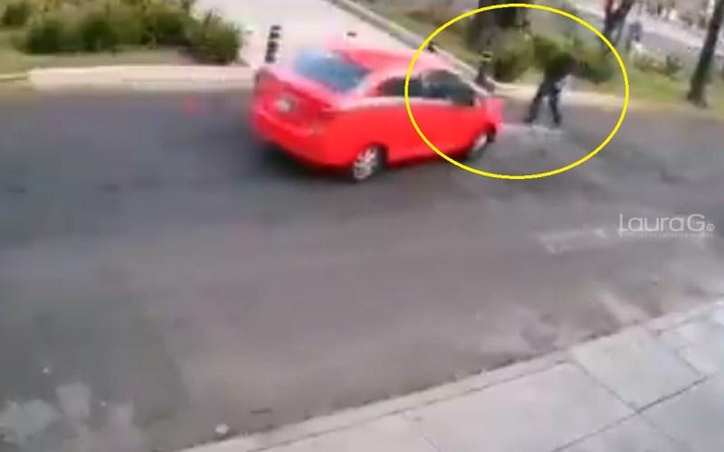 Automovilista arrolla