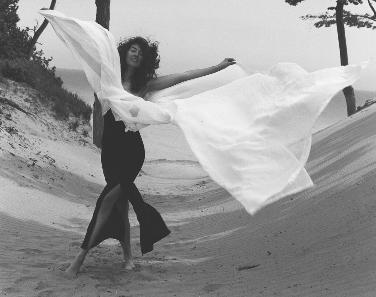 Laüra Hollick as Living Art
