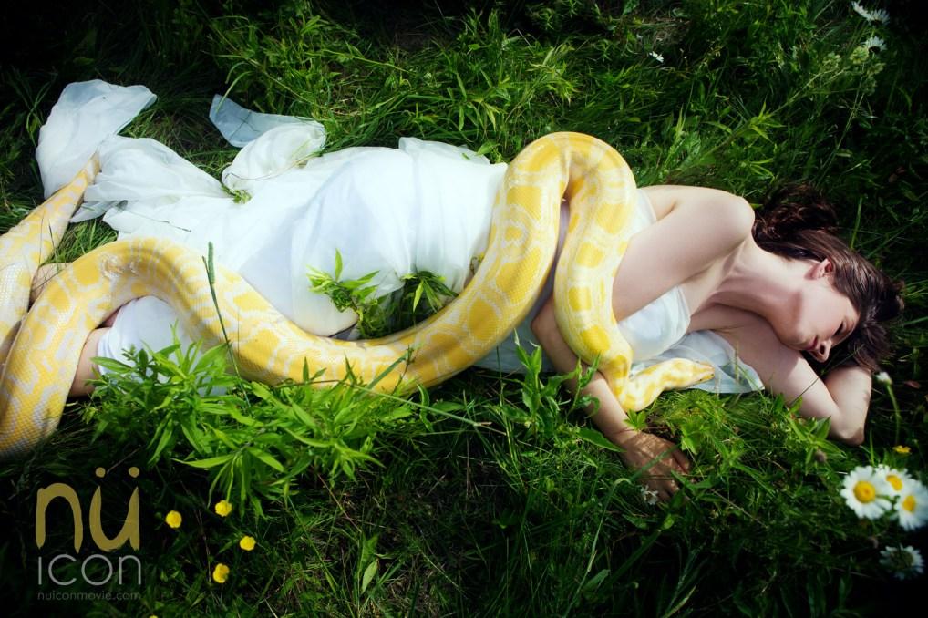 Laüra Hollick with Yellow Snake