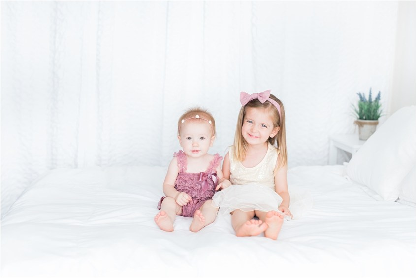 Sibling photoshoot for two sisters | Laura Ryan Photography