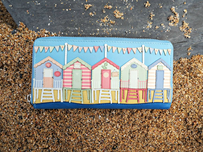 Yoshi Review - Beach Hut Purse