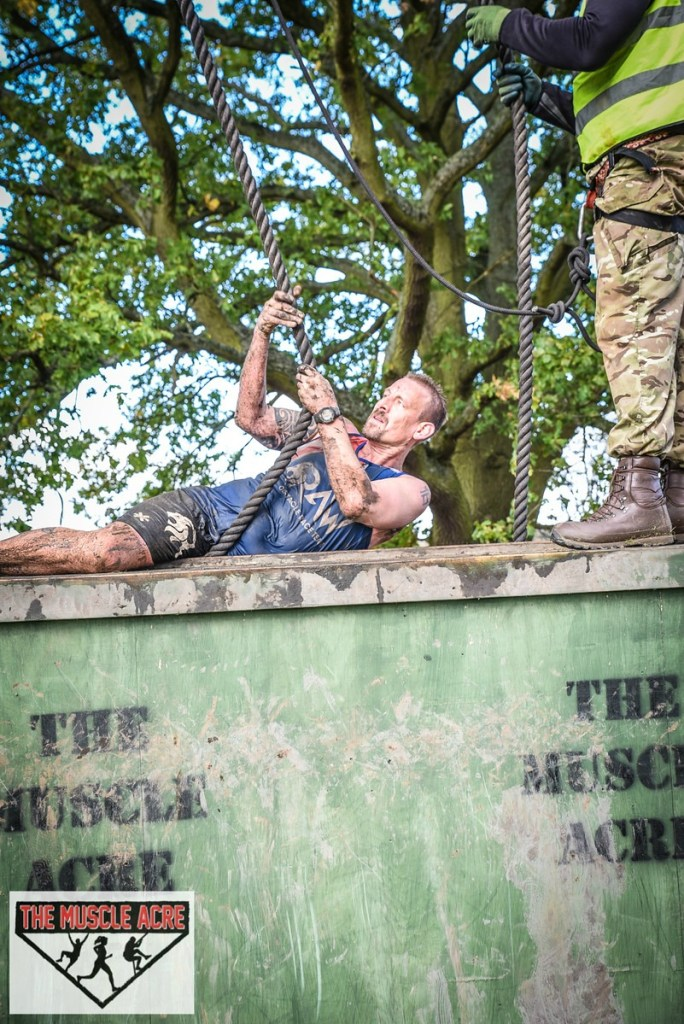 Muscle Acre Mud Slog November 2017 Review - Ben going over wall