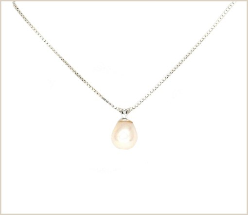 Pearl Pendant with Venetian chain