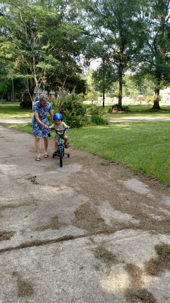 Oliver on his new bike he received from Grandpa and Grandma Riederer