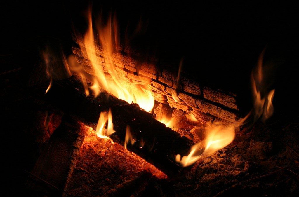 The Invisible Campfire of Online Communities