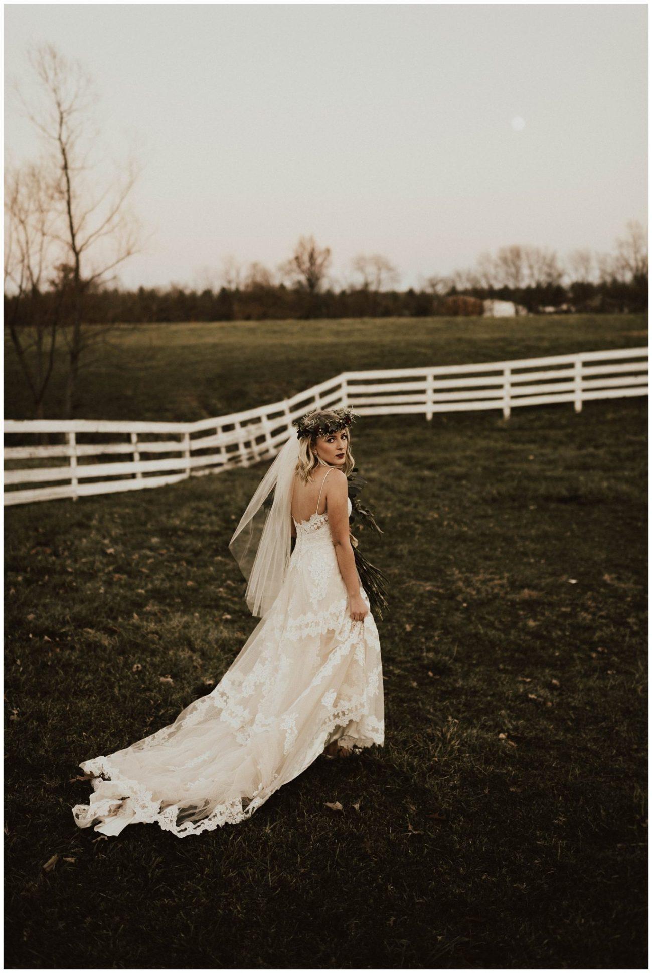 ed1699c0dd9bfc Hannah + Brian // Christmas Cabin Wedding - Lauren F.otography ...