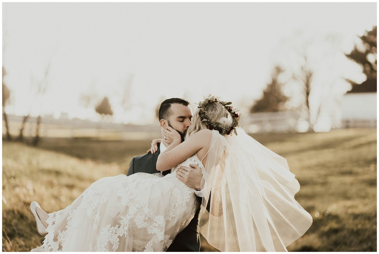 f540f35e4673 Hannah + Brian    Christmas Cabin Wedding – Lauren F.otography