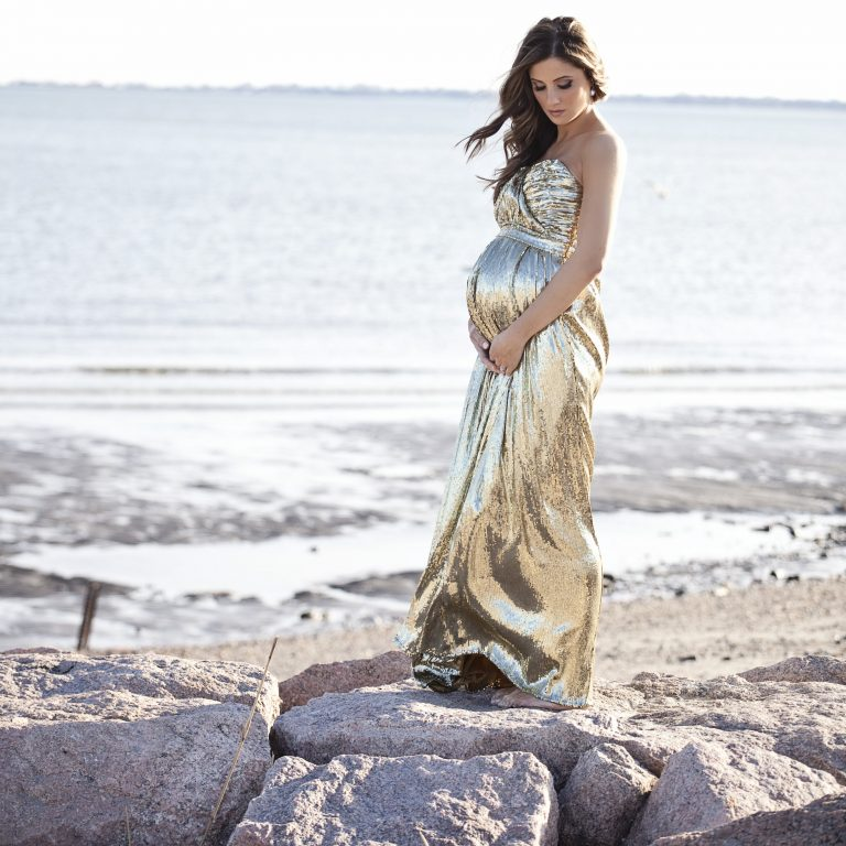 d9a30ff02cf05 {All maternity shoot images via Tiffany Farley, wearing Badgley Mischka by  Rent the Runway}