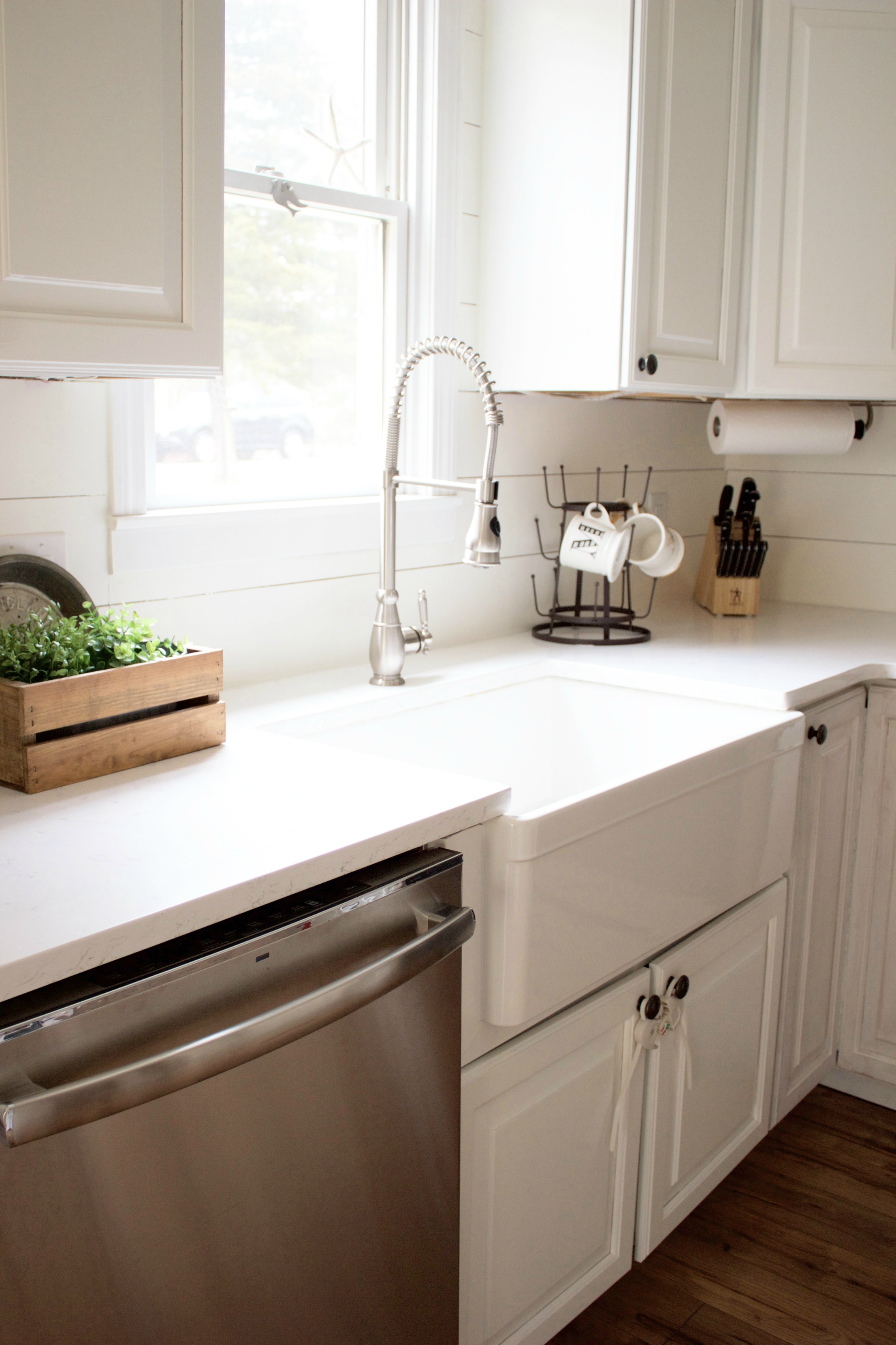 Home // How to Choose a Farmhouse Sink - Lauren McBride