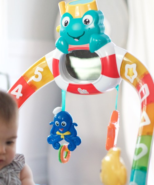 Mom + Baby // Baby Einstein 2-in-1 Lights & Sea Activity Gym and Saucer Review
