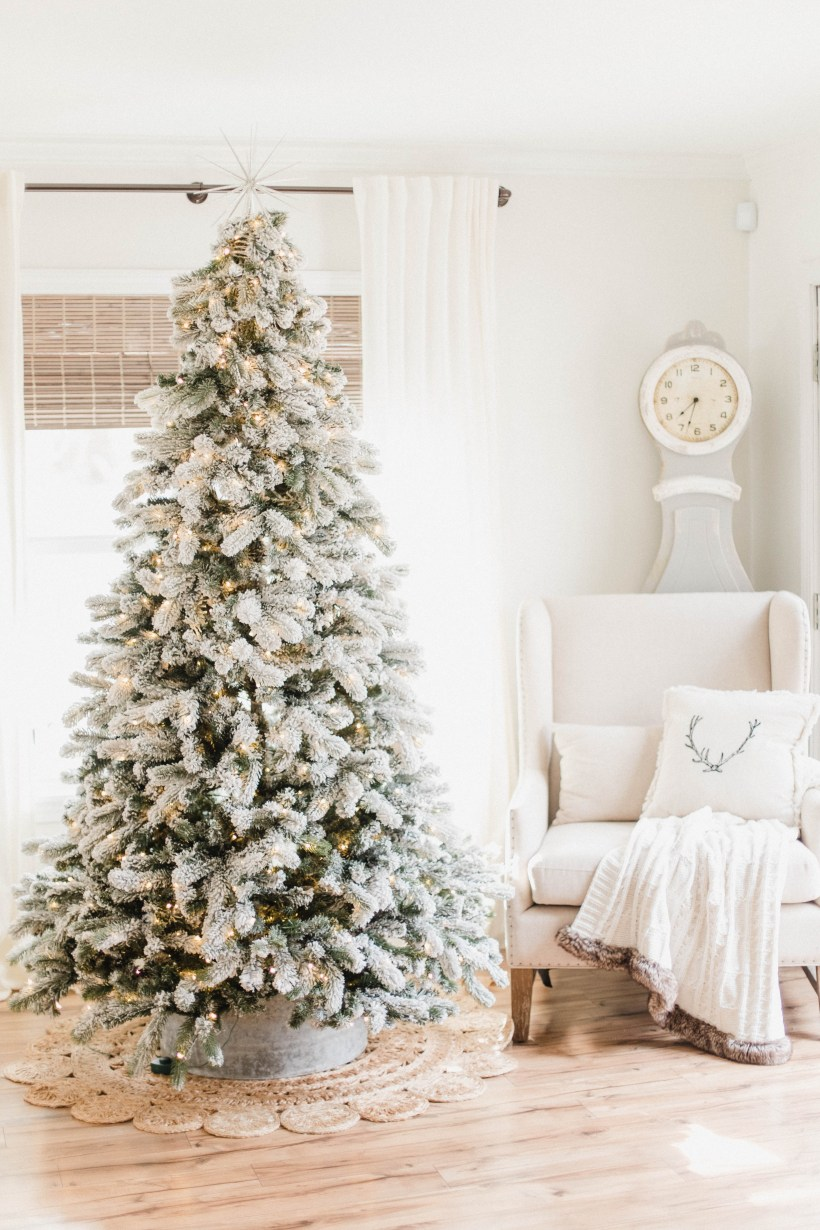 connecticut life and style blogger lauren mcbride shares details and faqs about her king of christmas