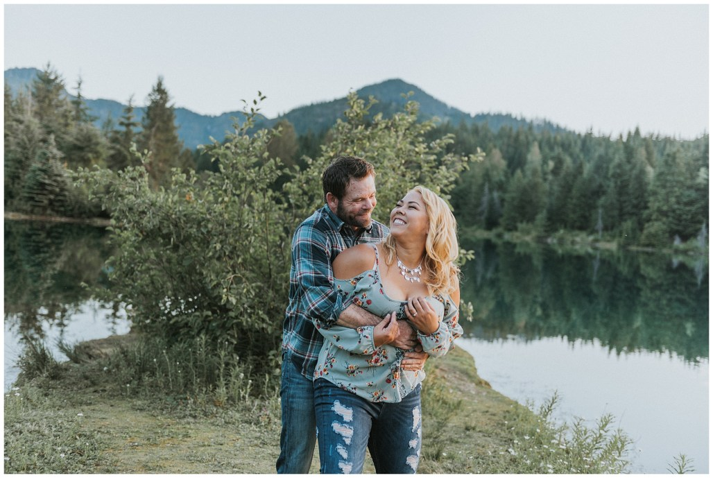SNOQUALMIE PASS, ADVENTURE ENGAGEMENT, GOLD CREEK POND ENGAGEMENT, PNW ENGAGEMENT PHOTOGRAPHER, SEATTLE ENGAGEMENT PHOTOGRAPHER, WASHINGTON ENGAGEMENT PHOTOGRAPHER