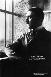 Nach dem gescheiterten Putsch verbüßte Hitler eine 9 monatige Gefängnisstrafe.