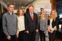 Erinnerungsfoto mit dem Schirmherren des Juniorenpressepreises: Ministerpräsident Stephan Weil.