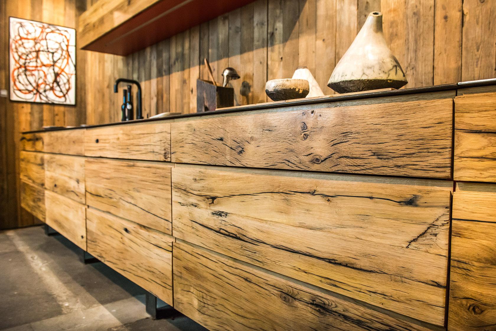 cuisine ch ne moderne plan de travail metal laurent passe. Black Bedroom Furniture Sets. Home Design Ideas