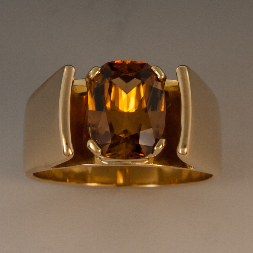 Honey Zircon Ring In 18K Yellow Gold