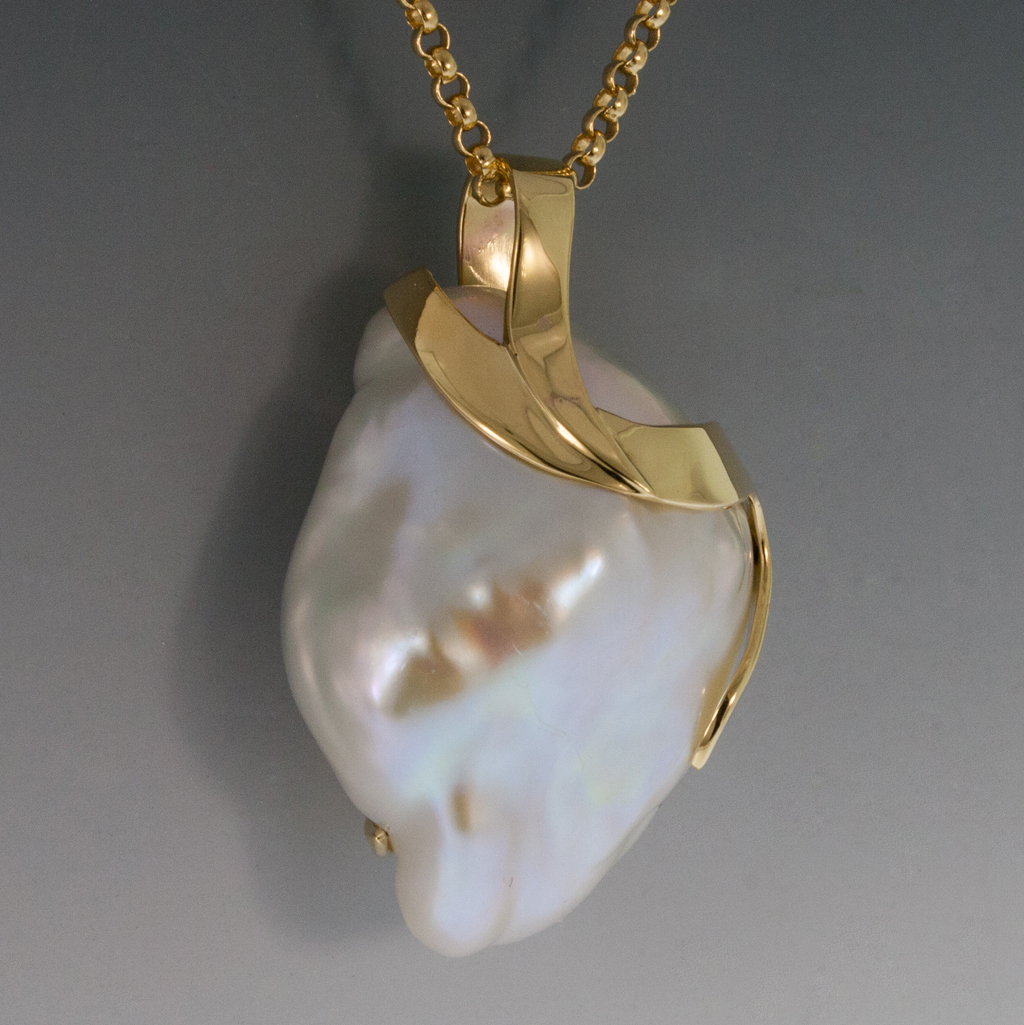 14K Yellow Gold Pendant W Large White Baroque Freshwater