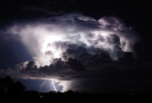 storm-clouds-lightning-wallpaper-4