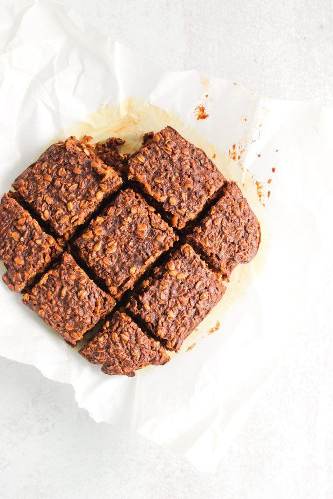 HEALTHY BAKED GINGERBREAD OATMEAL