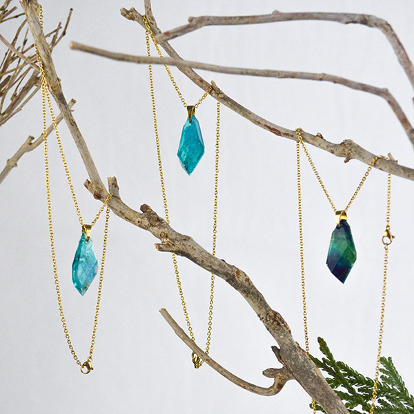 Resin Necklace Turquoise Gold