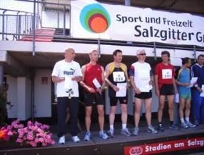 Siegerehrung 100m M45 v.l.n.r. Czeslaw Pradzynski, Manfred Hiller, Ingo Heinze, Gerhard Seelhorst, Carsten Weincke, Jürgen Jeske, Jürgen Neydek