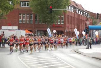 Richtig voll wurde es beim Start für den Halbmarathon.