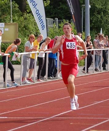 Silvio Schirrmeister (Nr. 495) verbesserte die Bestmarke über die 400m Hürden der Männer.