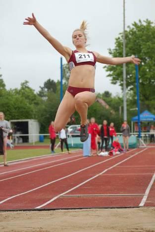 Melanie Willrodt (Nr. 211, SC Poppenbüttel) erreichte im Weitsprung-Wettbewerb der weiblichen Jugend U20 mit einer Weite von 5,45m den dritten Rang. Es siegte Karoline Steppin (Schweriner SC) mit 5,65m vor Marie-Anna Dunkhase (DSC Oldenburg, 5,58m).
