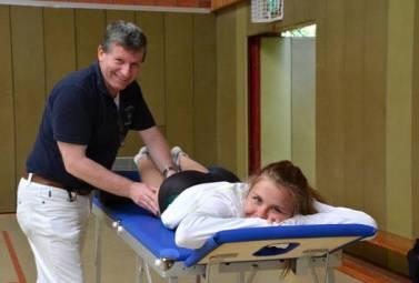 Wer nach einem harten Wettkampf eine Massage benötigte, konnte diese in der nahegelegenen Sporthalle erhalten.