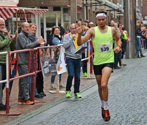Bei den Männer gewann Philip Fahrenholz mit einer Zeit von 17:04 min den 5-km-Stadtwerke-Jedermann-Lauf.