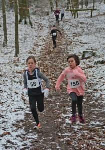 Die beiden Vereinskameradinnen Christin Eickhoff (Nr. 155, Kinder W08, 3:53) und Solja Brandt (Nr 58, Kinder W09, 3:48) siegten in ihren Jahrgängen