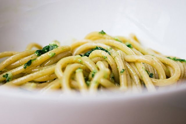 Спагети с песто от левурда