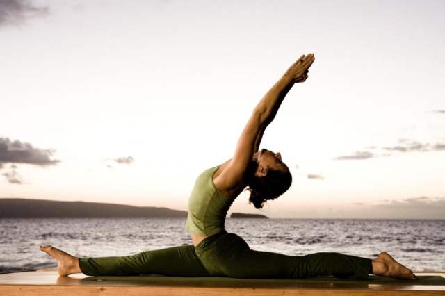 живей в хармония със себе си, йога и LAVA България