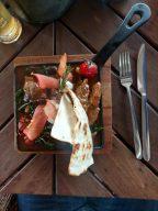 Агнешко печено с пастърма в LAVA