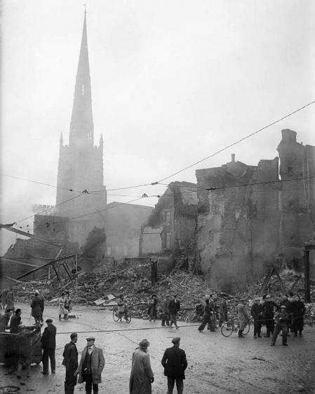 Ruinas de la ciudad tras el ataque.