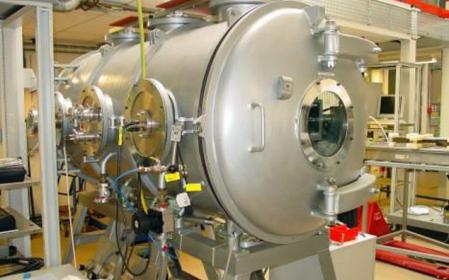 The Mars pressure simulation chamber