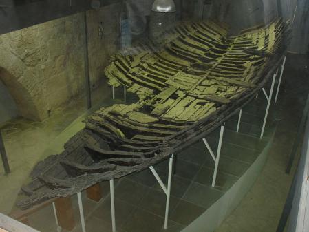 Pecio de antiguo navío mercante griego encontrado en Kyrenia (Chipre).